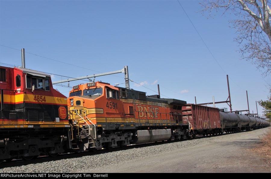 BNSF 4591 on CSX K142